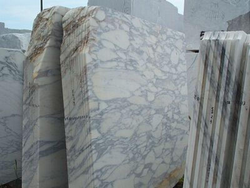 Rivestimenti vasca quarzite Carrara 3
