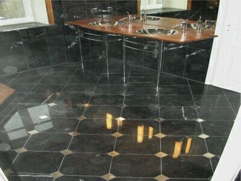 Rivestimenti vasca quarzite Carrara 4