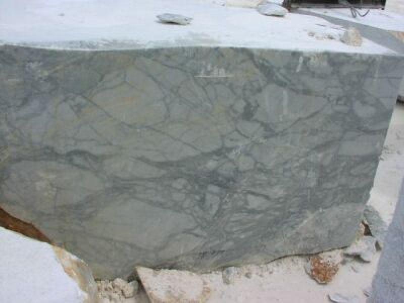 Rivestimenti vasca quarzite Carrara 5