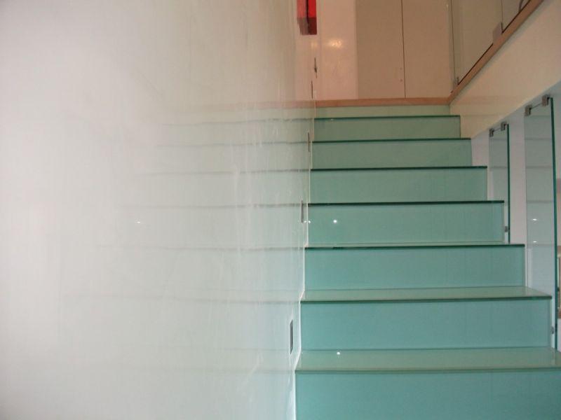 Scale in resina spatolata, gradini in resina Milano 2