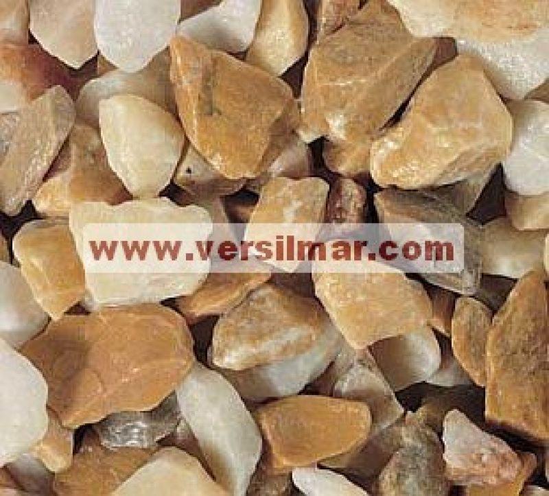 Granulato di giallo siena mm. 9-12 1