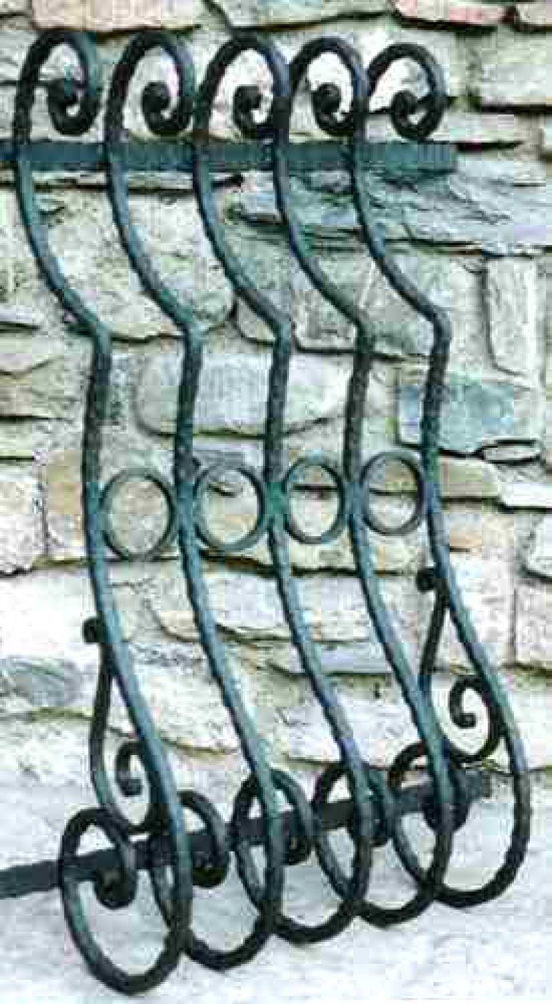 Inferriate in ferro battuto su misura 8